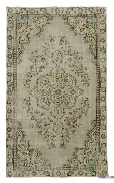 Turkish Vintage Area Rug - 5'2'' x 9'1'' (62 in. x 109 in.)
