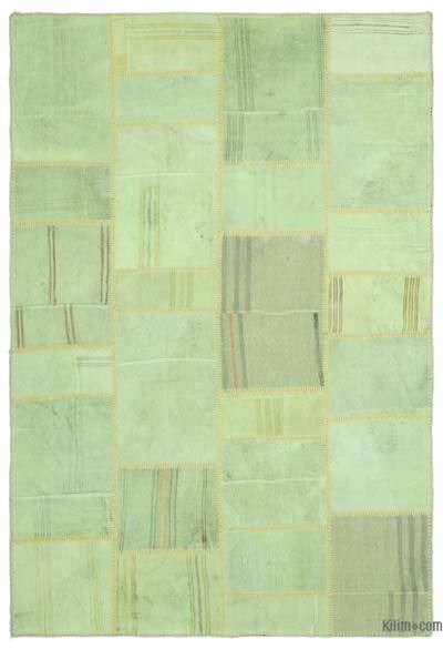 Green Over-dyed Kilim Patchwork Rug - 5'2'' x 7'8'' (62 in. x 92 in.)