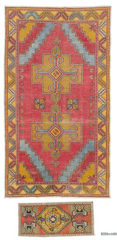 Turkish Vintage Area Rug - 4'8'' x 8'6'' (56 in. x 102 in.)