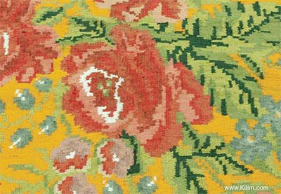 floral moldovian kilim detail