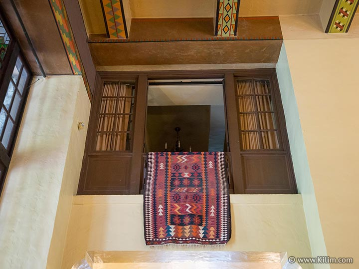 Placement Hanging And Storage Of Area Rugs