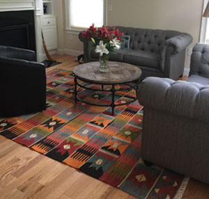 Vintage Afyon Kilim Rug in Living Room