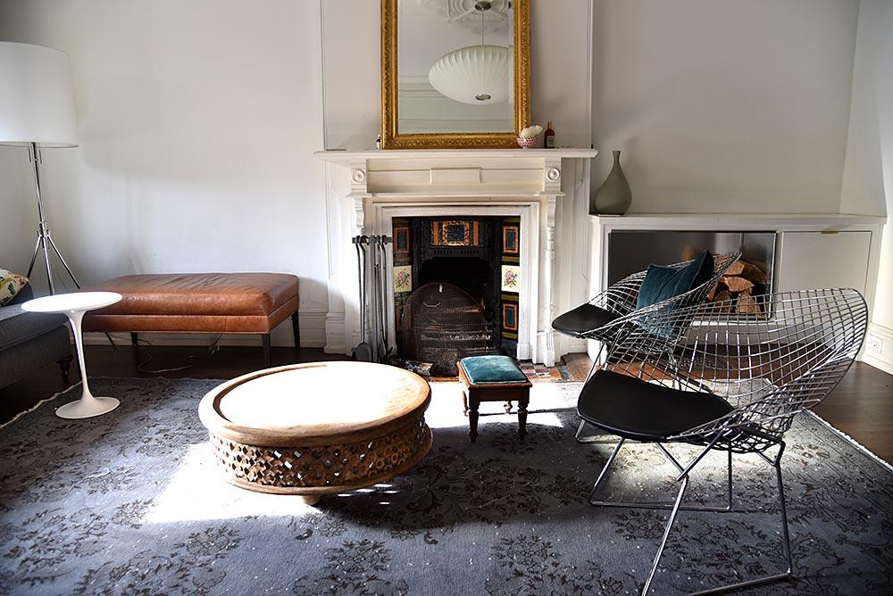 Overd Vine Rug In Living Room Toronto