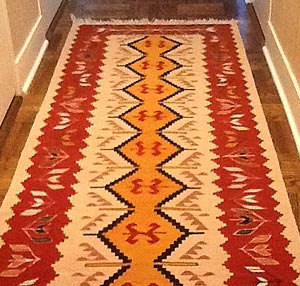 Pile runner rug in the hallway